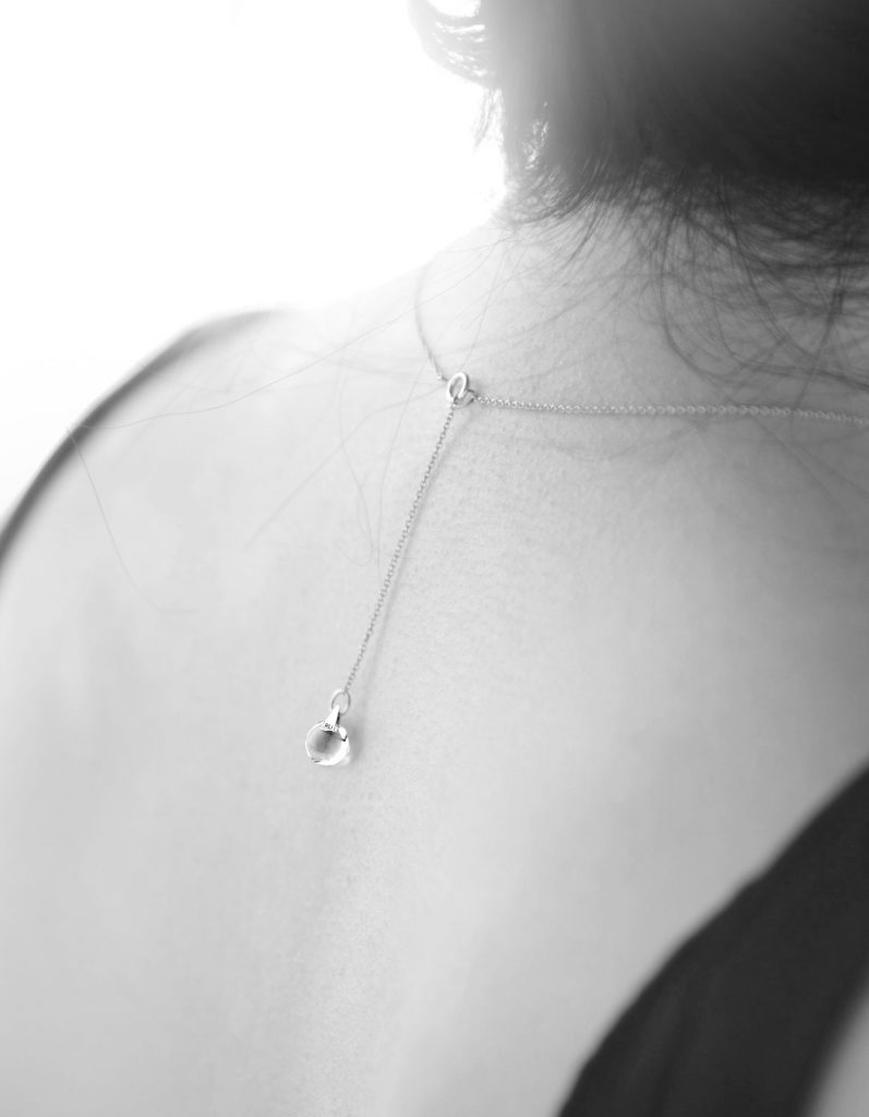18k-real-solid-gold-chain-for-pendant-on-model-2